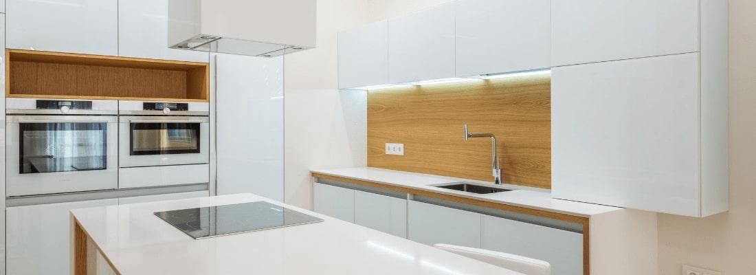 White kitchen appliances are still trendy